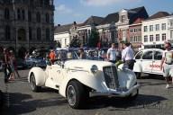 6483 Oldtimers verzameling op de Markt in Oudenaarde