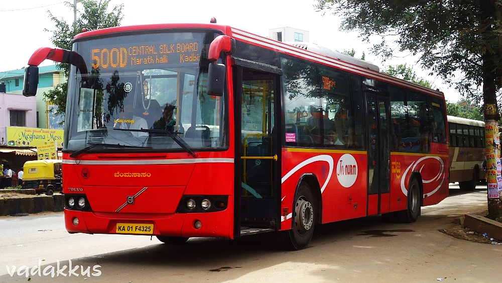 BMTC Volvo 8400 running on the 500D route