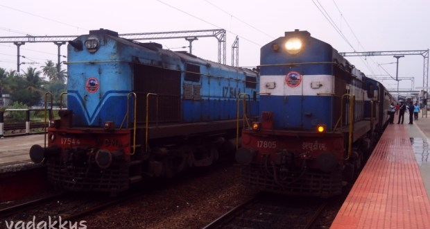 WDM2Bs meet at Alappuzha with the Ernad and Janshatabdi expresses