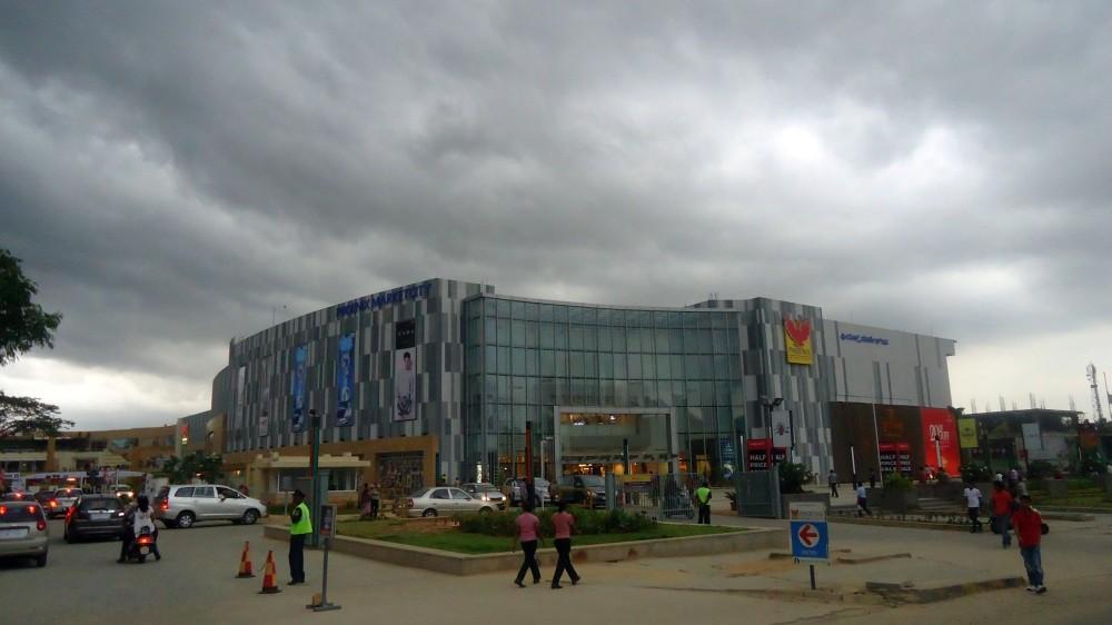 The Phoenix Mall, Mahadevapura, amidst menacing dark grey clouds