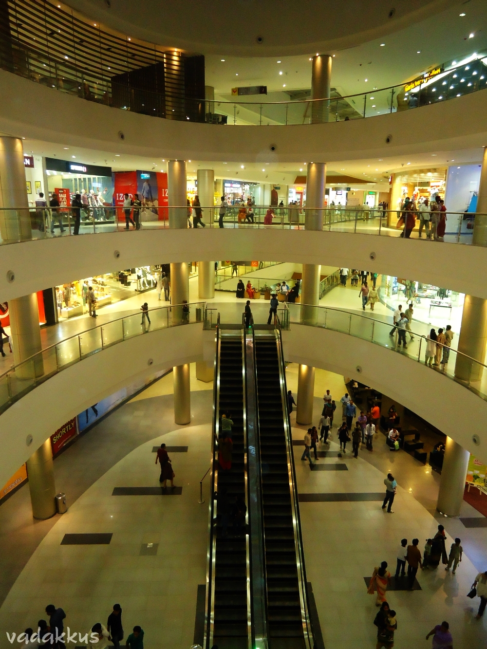 Inside the Phoenix Marketcity Mall, All 4 Levels
