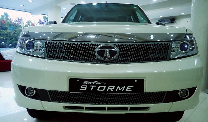 The New Tata Safari Storme – In Your Face!
