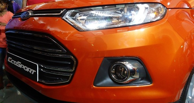 Headlights and front end of the new Ford Ecosport