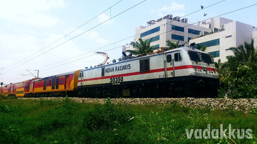 The Mighty WAP7 Slams Past with the SBC Double Decker!
