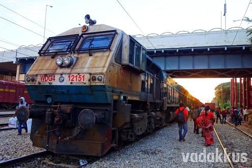 The Hulking EMD! WDG4 Diesel Freight Locomotive