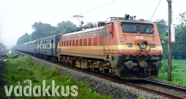 13351 Alappuzha - Dhanbad Express headed by Indian Railways electric engine WAP4 22221