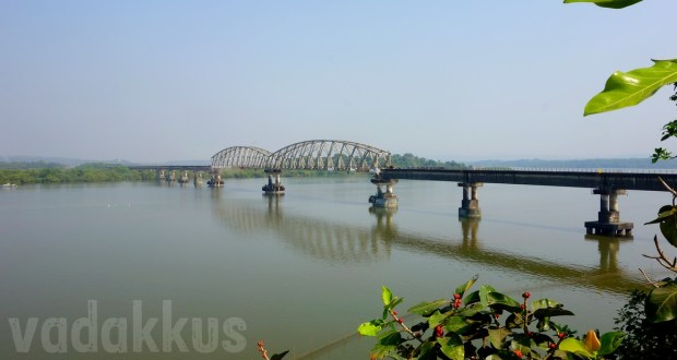 Photo of the Zuari Railway Bridge at Agaçaim near Cortalem and Carambolim Goa