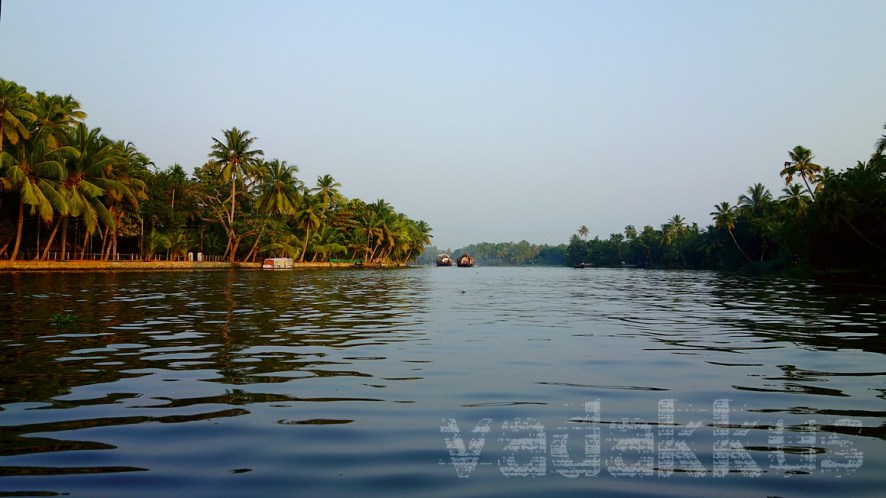 A Lovely Kuttanad Evening in a Typical Kerala Backwater Setting