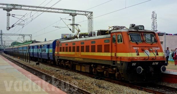 Indian Railways electric locomotive RPM WAP4 22841 Kochuveli Bangalore Express