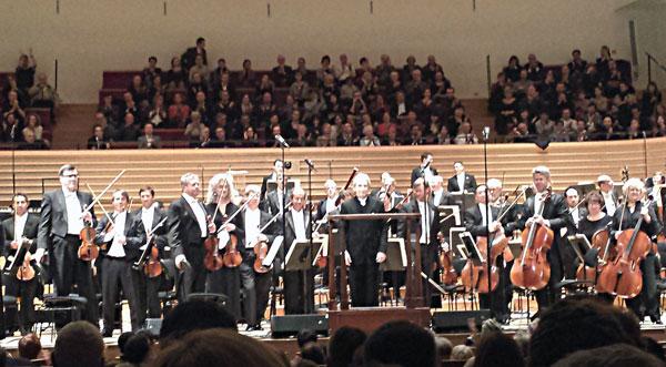 Le San Francisco Symphony et son chef, Michael Tilson Thomas