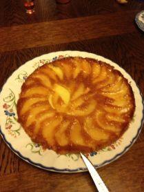 Die Hausherrin hat noch einen Birnenkuchen gebacken