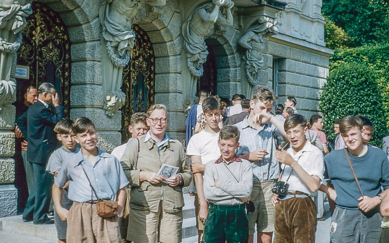 A group at Linderhof