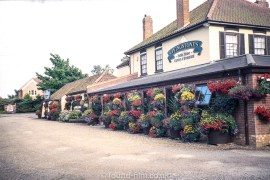 Livingstones pub, Kessingland - July 2003