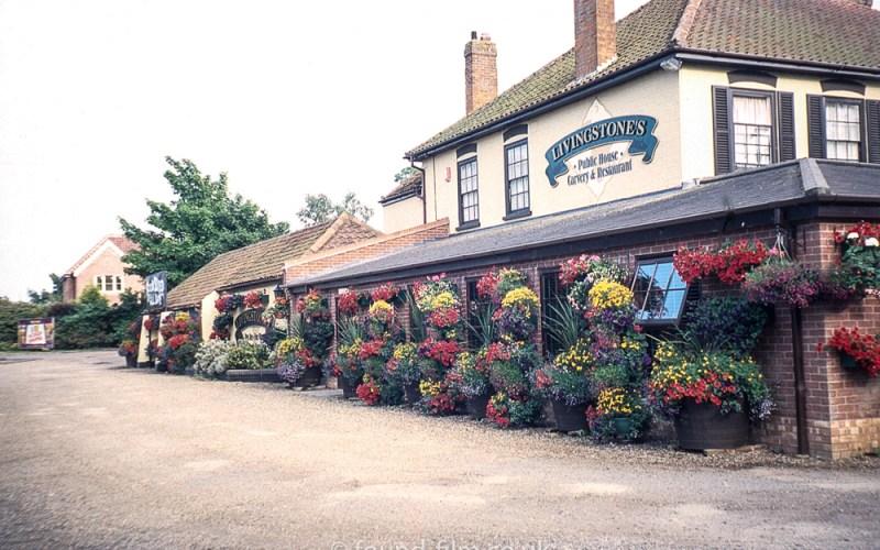 Livingstones pub, Kessingland - July 2003