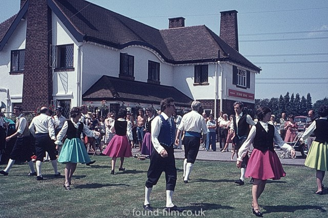 Dancing at the Tudor rosee
