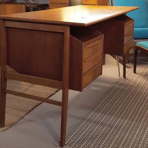 Tibergaard Desk