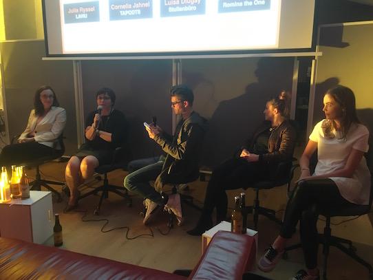 Julia Ryssel, Cornelia Jahnel, Alexander Nast, Luisa Dlugay und Romina Kiepsch (von links) diskutierten nach der Filmvorführung auf dem Podium. Foto: Stephan Hönigschmid