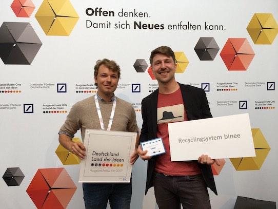 Fabio Schojan und Martin Jähnert (v.l.n.r.) vom Leipziger Startup binee freuen sich über die Auszeichnung. Foto: binee UG
