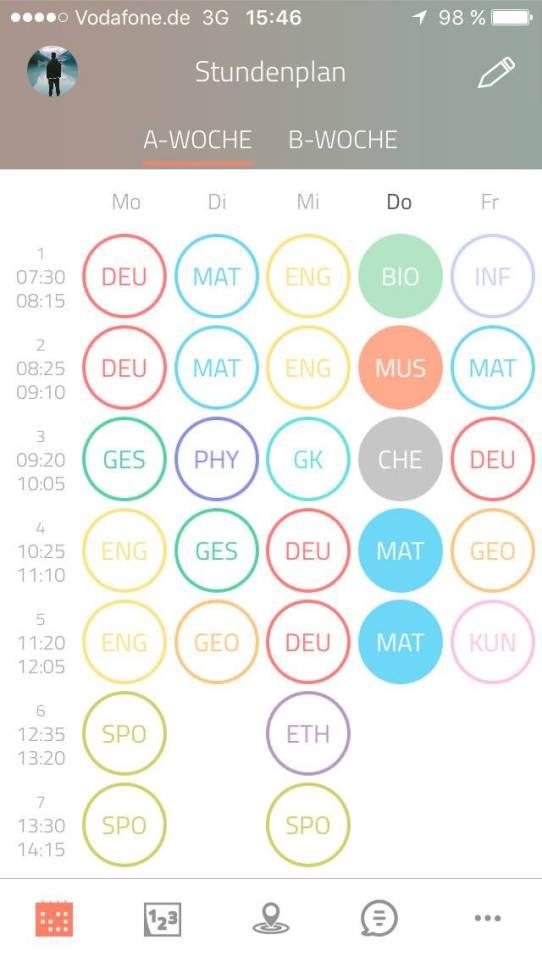 Auch der Stundenplan kann eingetragen und bei Bedarf unkompliziert verändert werden. Screenshot: Scoolio GmbH
