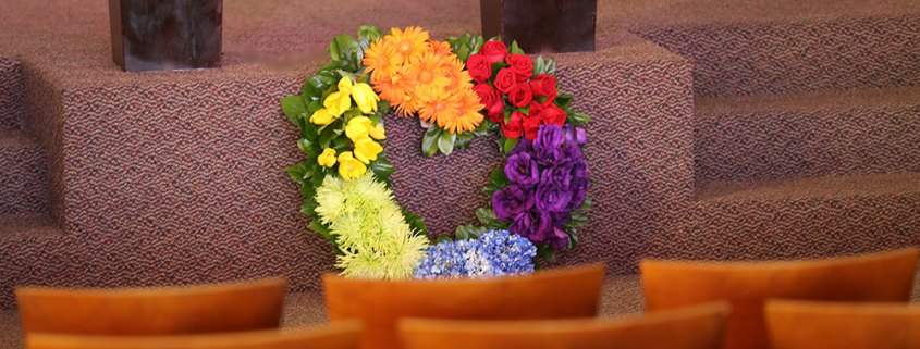 Floral-Wreath-At-Alter-6d1a2188-1000