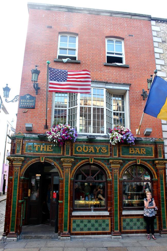 Temple Bar Dublin Quays