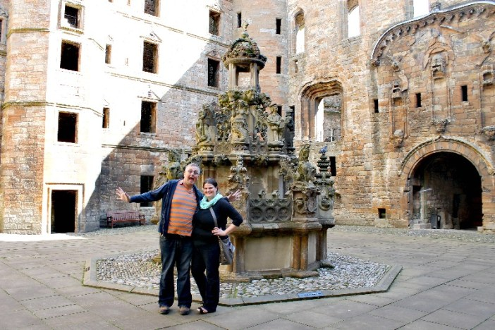 Fountain at Linlithgow Palace_Scotland
