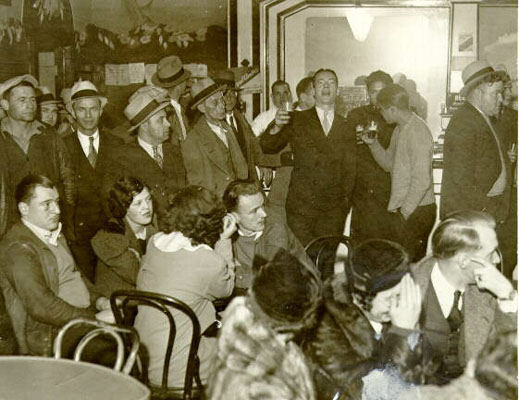 Crowd inside hippodrome 1934 AAB-6767.jpg