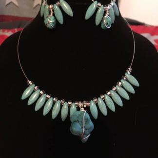 Turquoise Necklace and Earrings With Wire Wrapped Stone