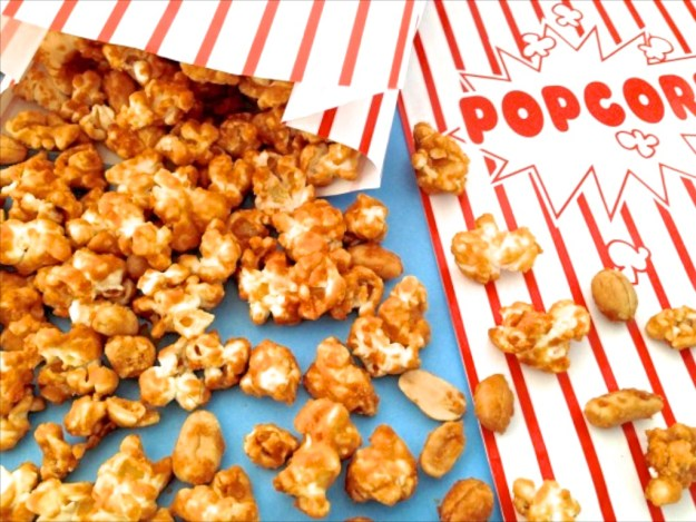 Caramel Popcorn with Salted Peanuts