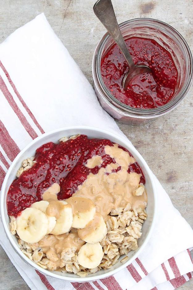 The classic flavors of PB&J in one healthy breakfast bowl