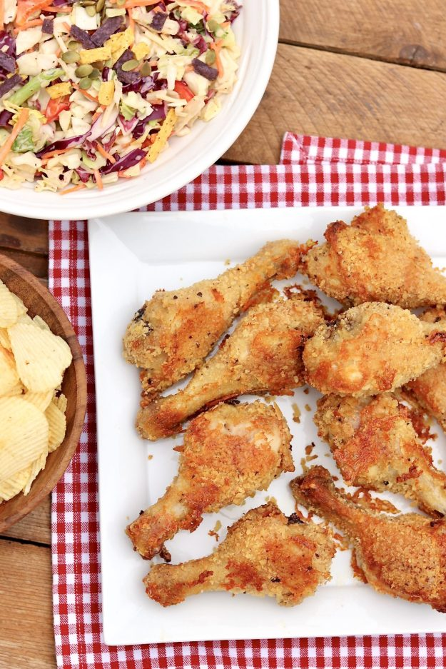 SUPER CRUNCHY OVEN FRIED DRUMSTICKS - Crispy, crunchy and no fryer needed!Perfect for picnics, tailgating, kids' parties, family dinners, packed lunches and more. (Can be served warm, cold or room temp with convenient advance prep options.)