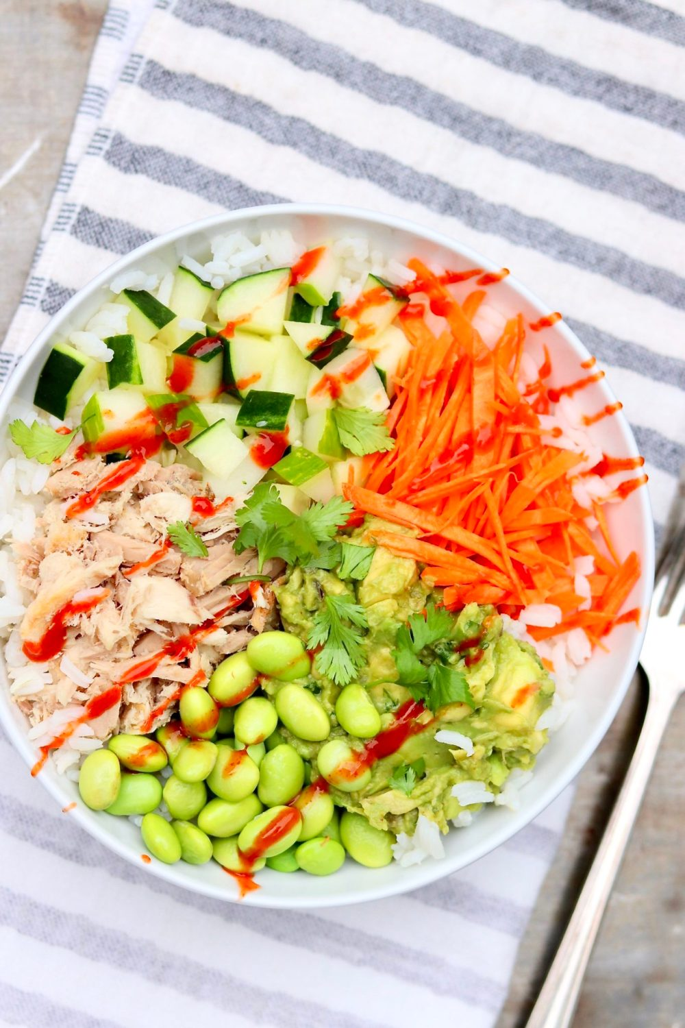 BUDGET SUSHI BOWLS are easy to make with canned tuna and taste so good.Perfect for a speedy weeknight meal or packable lunch!