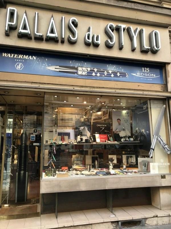 fountain pen shops in Paris palais du stylo