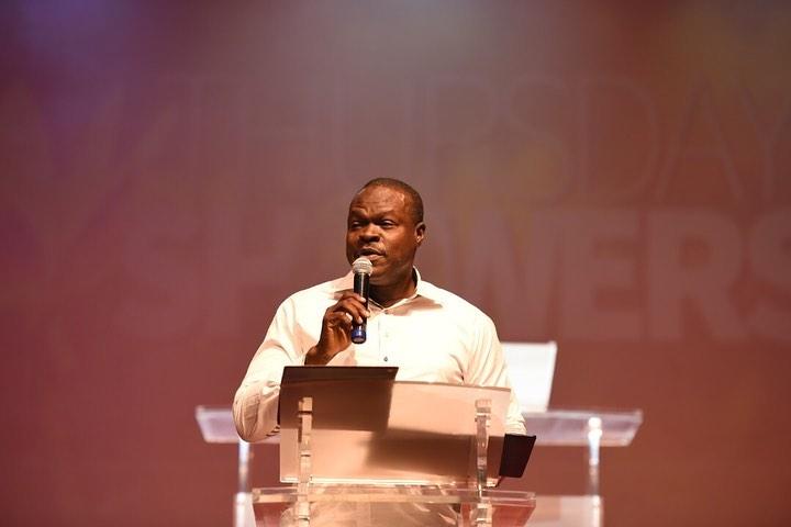 Pastor Babatunde Teaches on Prayer Burdens at Thursday Showers