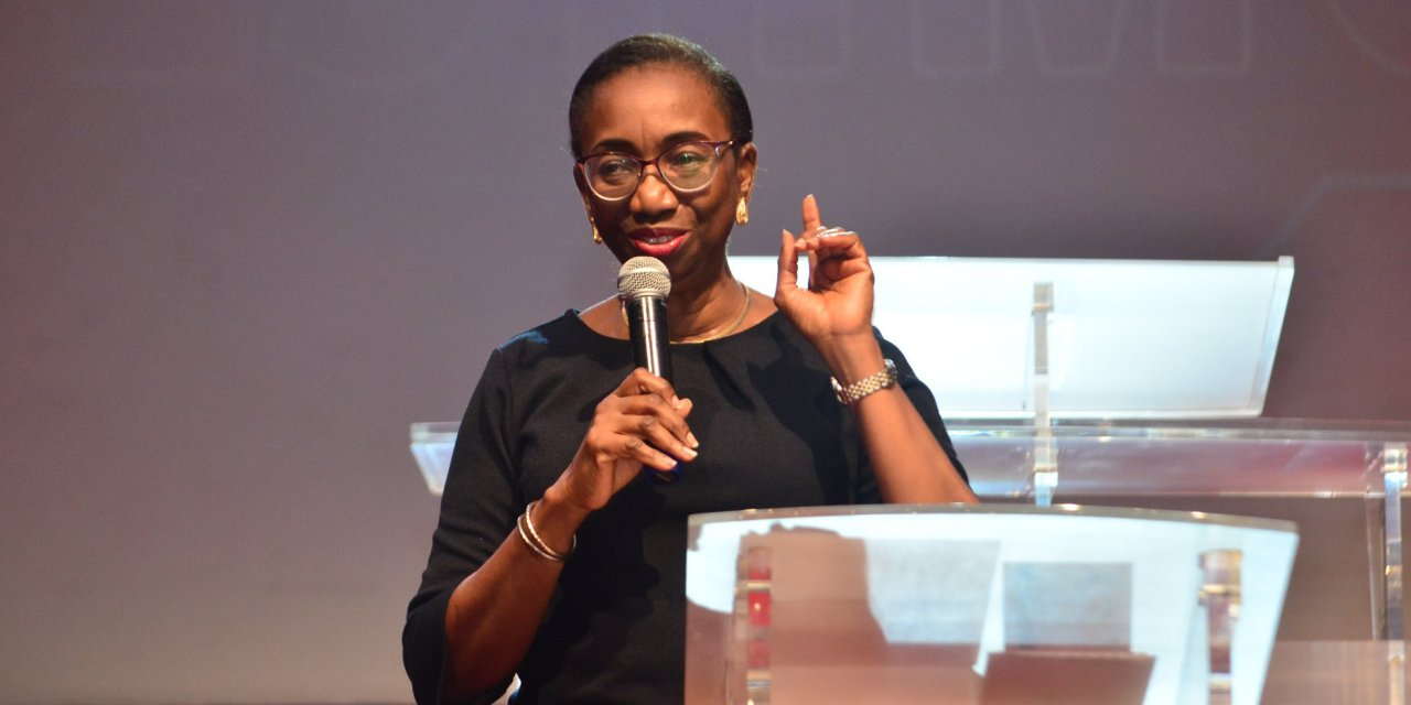 Pastor Yemisi Teaches on 'Spiritual Growth' at Thursday Showers