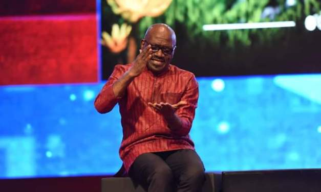 Favour and Greatness Will Accompany You in 2021, Pst Taiwo Prays over Showerians