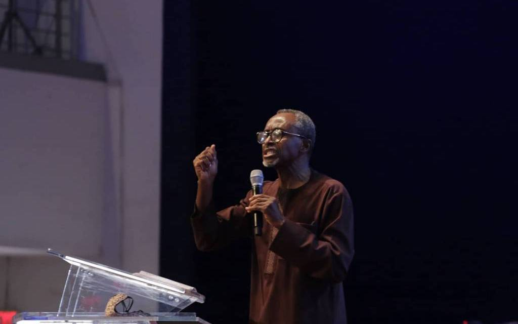 When Nothing Makes Sense, Look Up To God – Pst Gbenga
