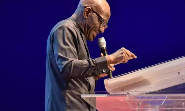 Pastor Taiwo Teaches on 'The Threshold' at October 10 Service