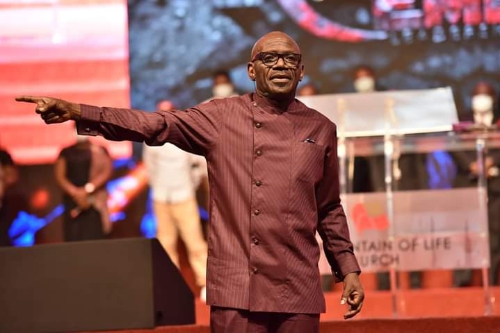 """""""The Lord Will Perfect All That Concerns You"""" Pastor Taiwo Declares at October Anointing Service"""