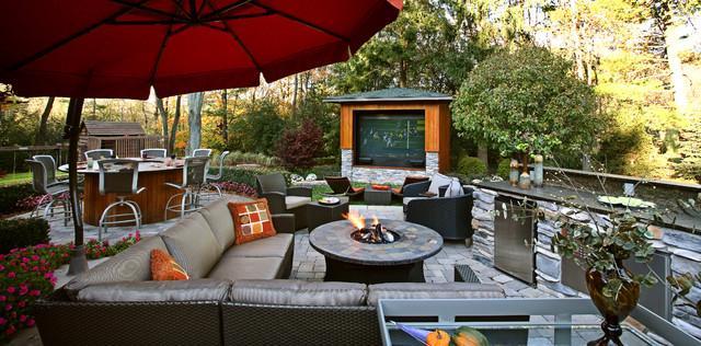Outdoor Media Entertainment Room for Garden Fun | Founterior on Garden Entertainment Area Ideas id=18590