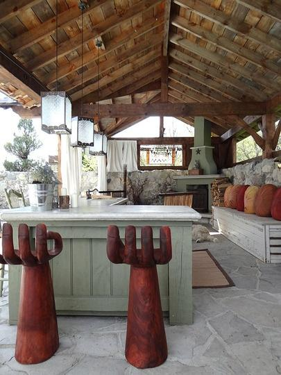 20 Ideas and Examples of Well-Arranged Outdoor Kitchens ... on Farmhouse:4Leikoxevec= Rustic Kitchen Ideas  id=26162