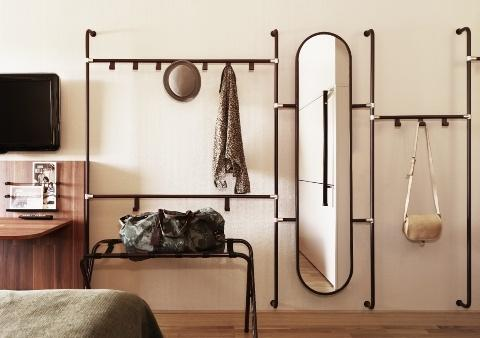 Storage And Decoration Ideas For Your Home Hallway