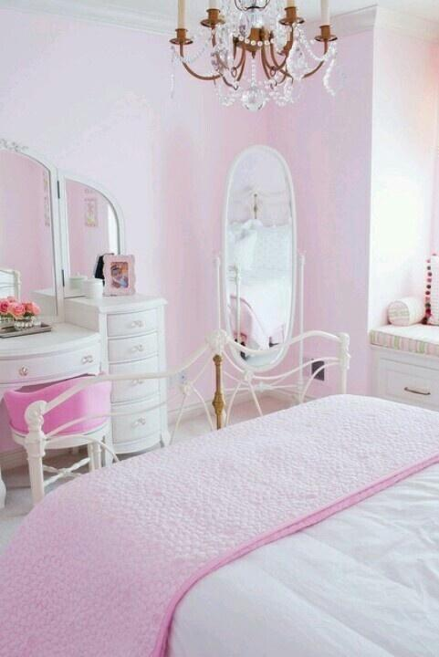 Pink Bedroom Interior Design Ideas with Images   Founterior on Mirrors For Teenage Bedroom  id=66419