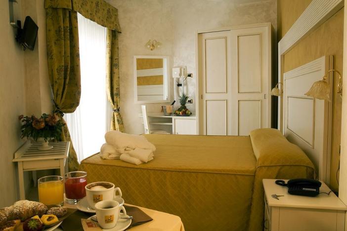 Бюджетные отели Римини: Hotel Diplomat Palace