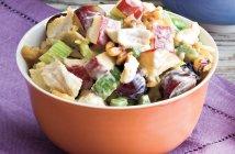 «Уолдорф» — салат с яблоками и курицей (рецепт с фото)