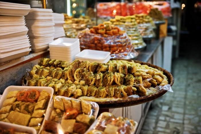 Гастрономические сувениры из Израиля: сладости на рынке в Иерусалиме