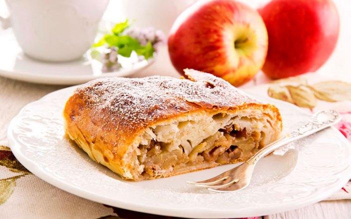 Яблочный штрудель: десерт №1 в Вене