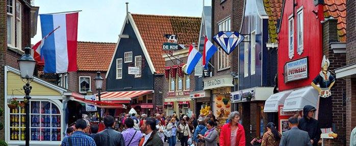 Из Амстердама на 1 день: Волендам
