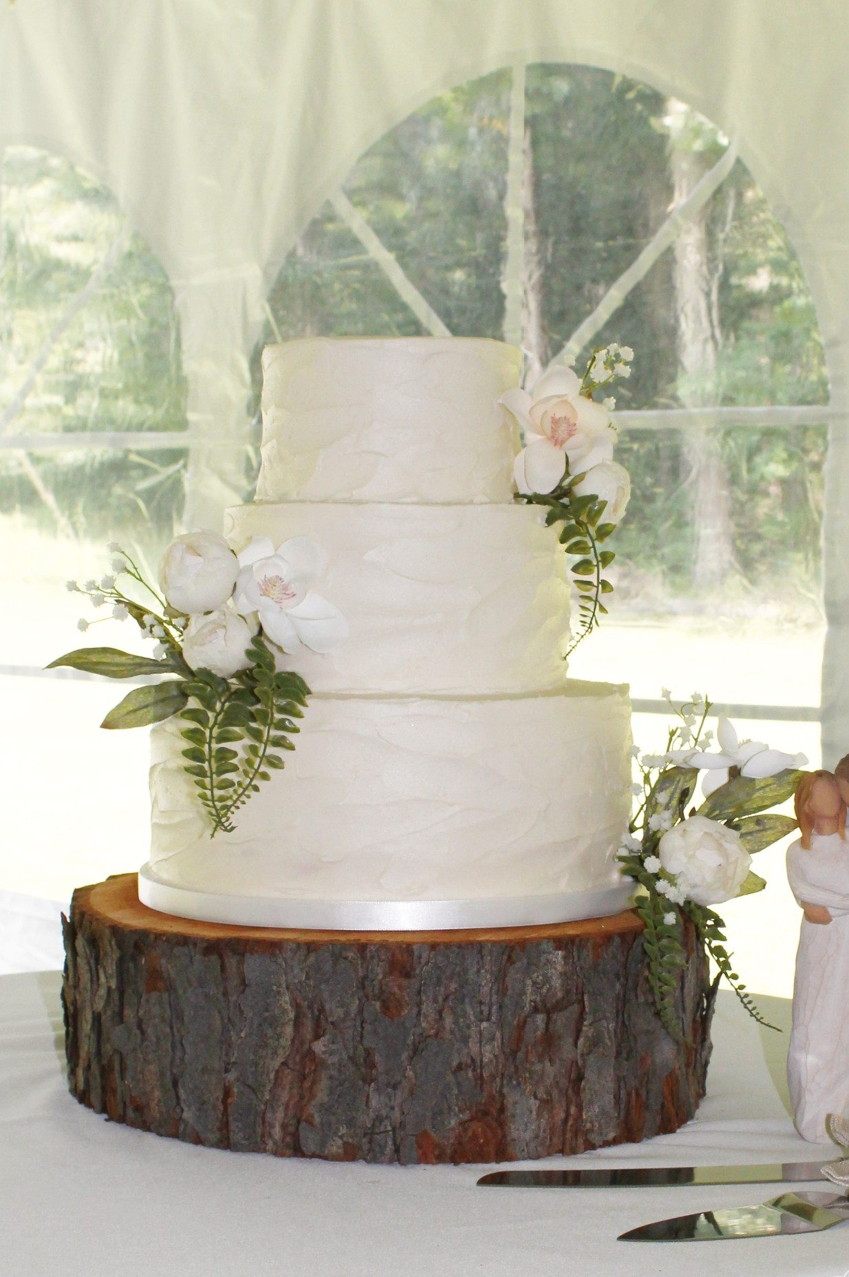 Classic Buttercream Wedding Cake with White and Pink