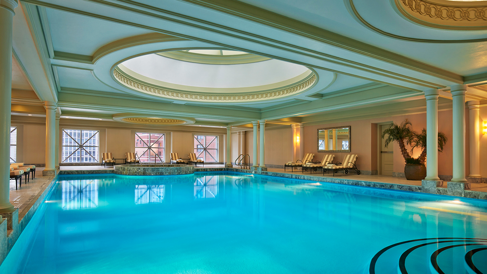 Chicago Hotel With Indoor Pool